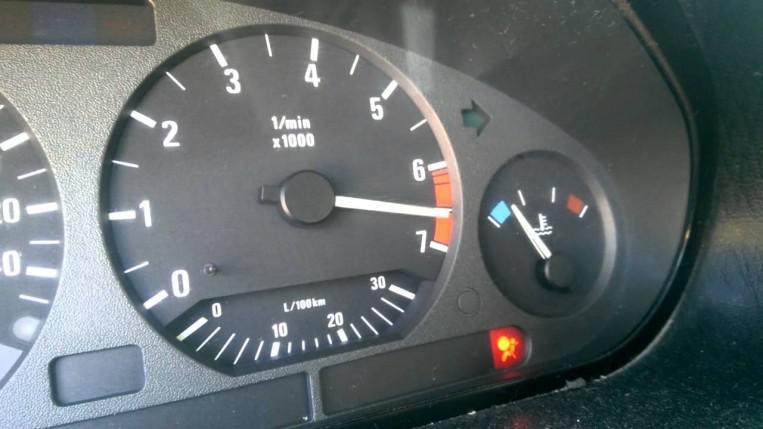 6 نصائح لخفض استهلاك سيارتك للوقود